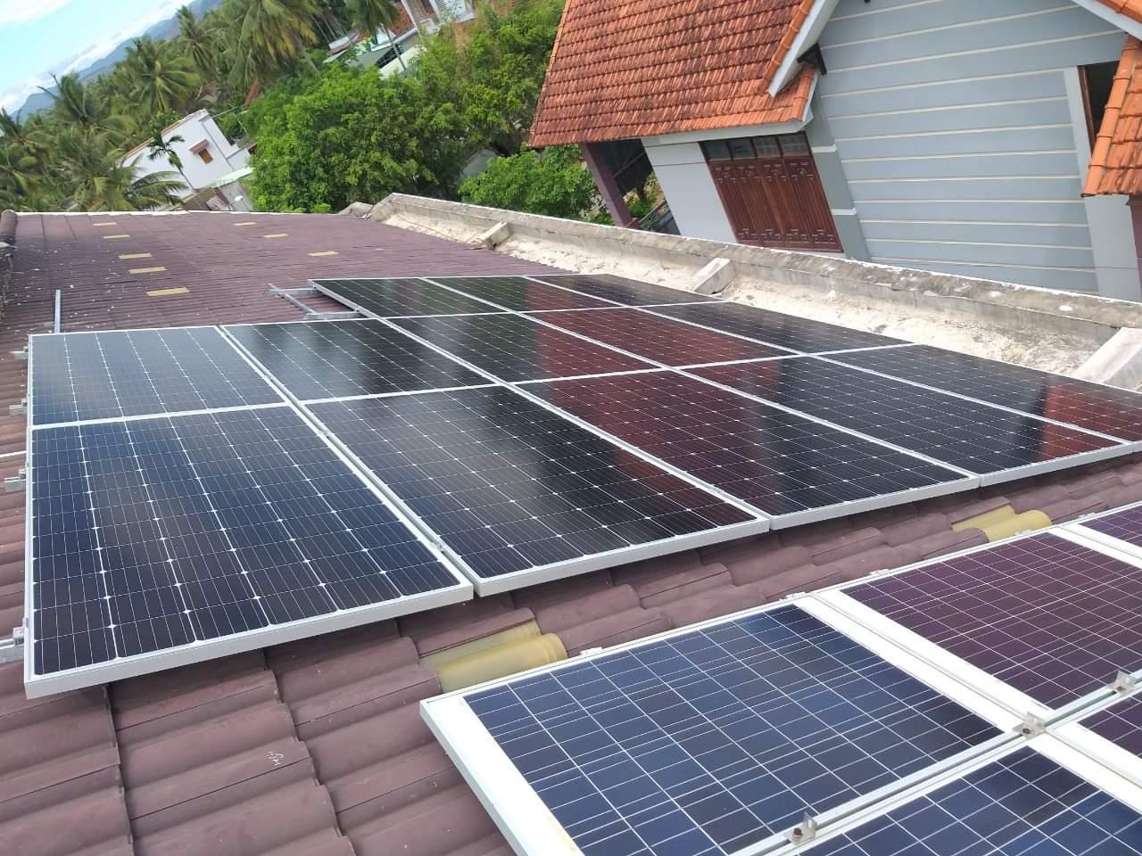 Điện mặt trời sử dụng hệ độc lập mini 1.7kWP tại Hà Nội | Uy tín