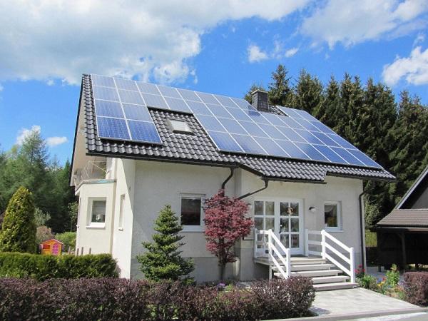 dac diem he thong hoa luoi dien nang luong mat troi 2 - Đặc điểm của hệ thống hòa lưới điện năng lượng mặt trời hiện nay